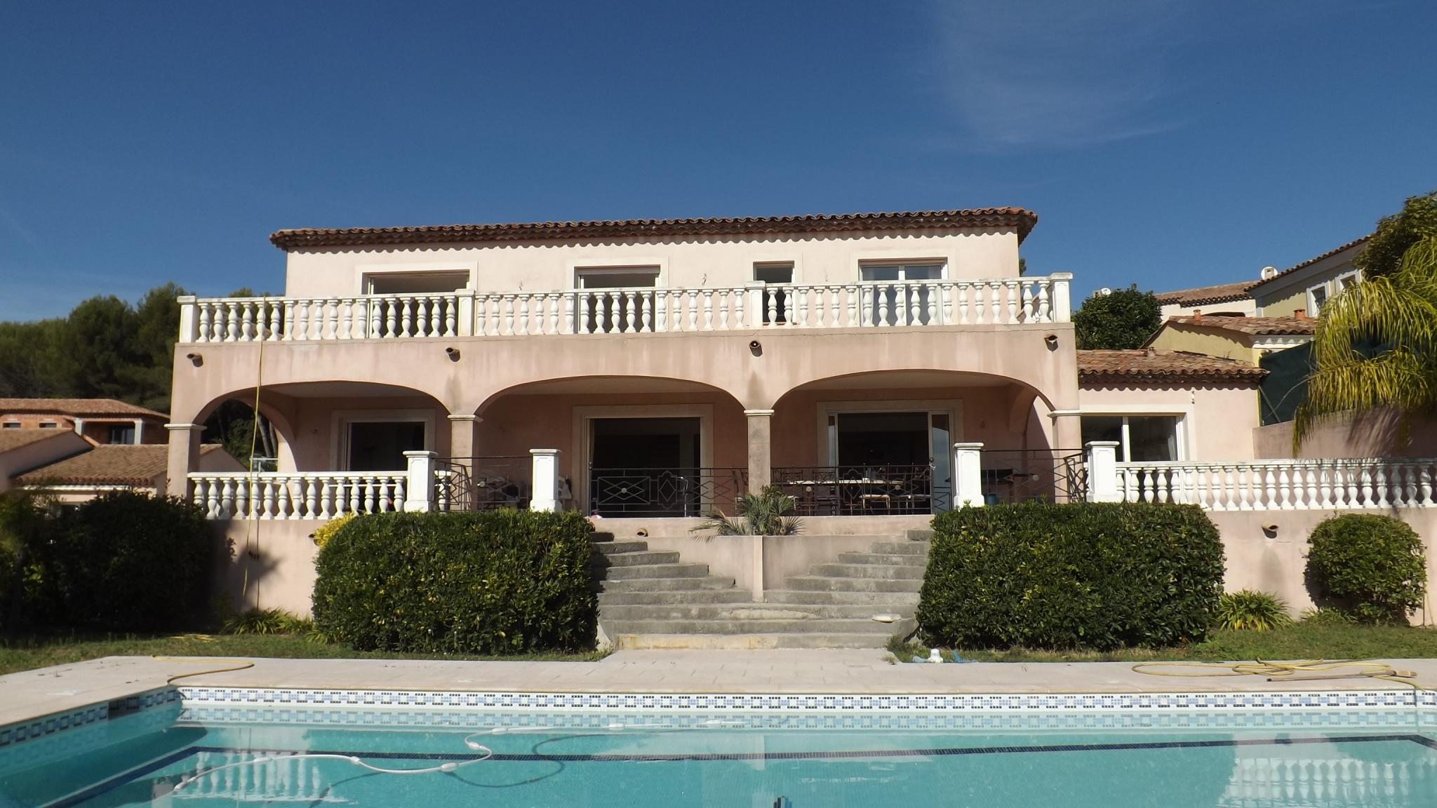 Location maison vallauris 06220 sur le partenaire for Location garage vallauris
